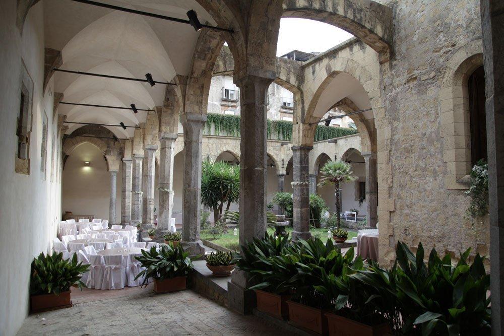 Matrimonio a Napoli al Chiostro Santa Chiara di Sire Ricevimenti (15)