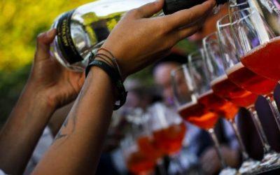 Cocktail party aziendale: cos'è e come organizzarlo