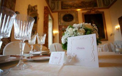 Disposizione dei tavoli al matrimonio: come organizzarla in 6 passi